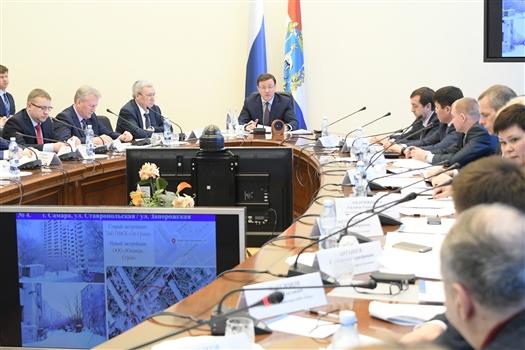 Дмитрий Азаров провел совещание с обманутыми дольщиками Самары и Тольятти
