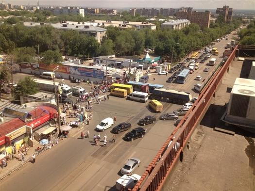 В Самаре демонтируют рынок на пересечении ул. Авроры и ул. Аэродромной