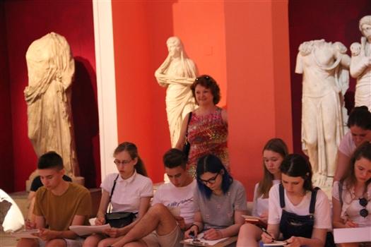 В Архитектурно-техническом лицее СамГТУ открылась выставка работ учеников