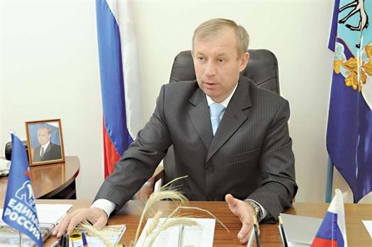 Исаклинский район вновь возглавил Валерий Ятманкин