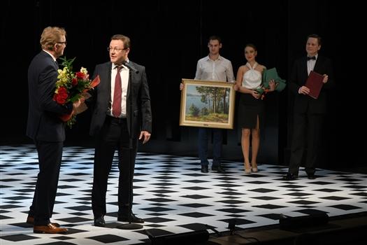 Дмитрий Азаров поздравил с юбилеем Владимира Борисова