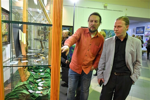 В Самаре прошла авторская выставка ювелирных украшений братьев Глазуновых