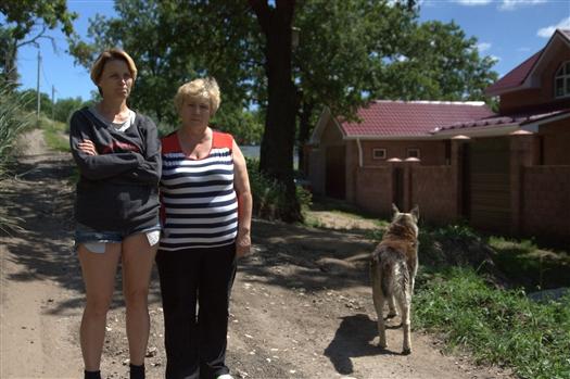 Жители Федоровки 10 лет борются за коммуникации к своим участкам