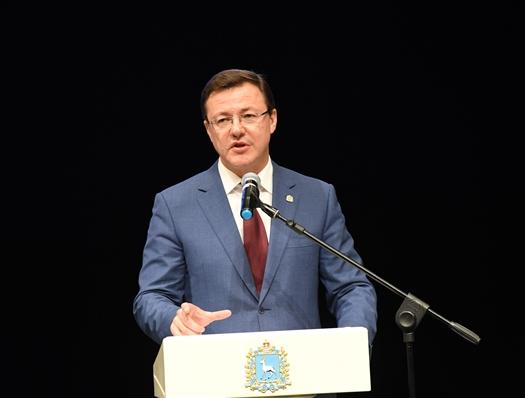 """Дмитрий Азаров: """"Наши университеты призваны стать точками генерации инноваций"""""""