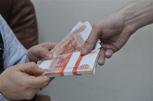 Учредителя областного антикоррупционного комитета подозревают в даче взятки