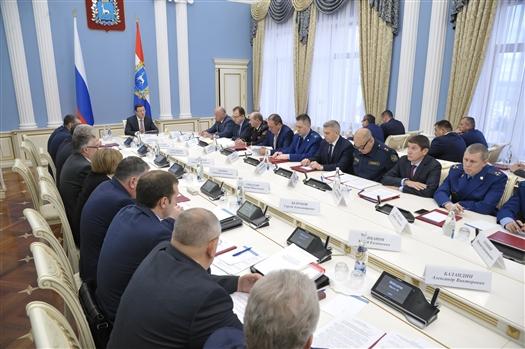 """Дмитрий Азаров: """"Задача, которую ставит президент, нацелена на полное оздоровление общества от коррупции"""""""