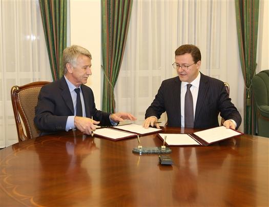 Дмитрий Азаров и Леонид Михельсон подписали соглашение о сотрудничестве
