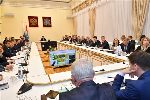 """Дмитрий Азаров: """"Работы по благоустройству должны быть завершены к 1 сентября"""""""