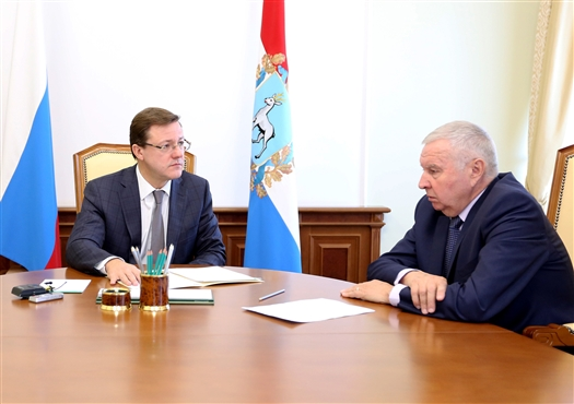 Дмитрий Азаров предложил Виктору Сойферу войти в состав новой Общественной палаты