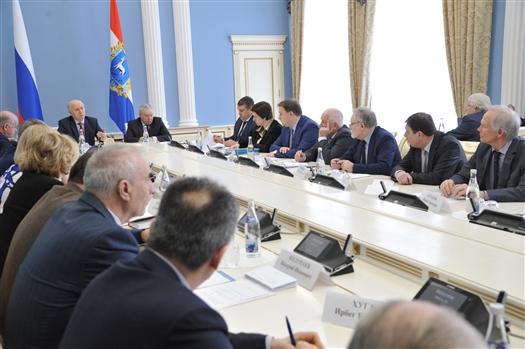 """Губернатор: """"Изменение механизма соцвыплат позволит поддержать многодетные семьи и бедных жителей региона"""""""