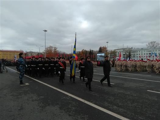 Начался парад Памяти на площади Куйбышева