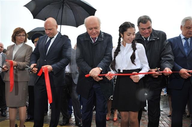 Губернатор Самарской области открыл новые школы вмикрорайонах «Волгарь» и«Крутые ключи»