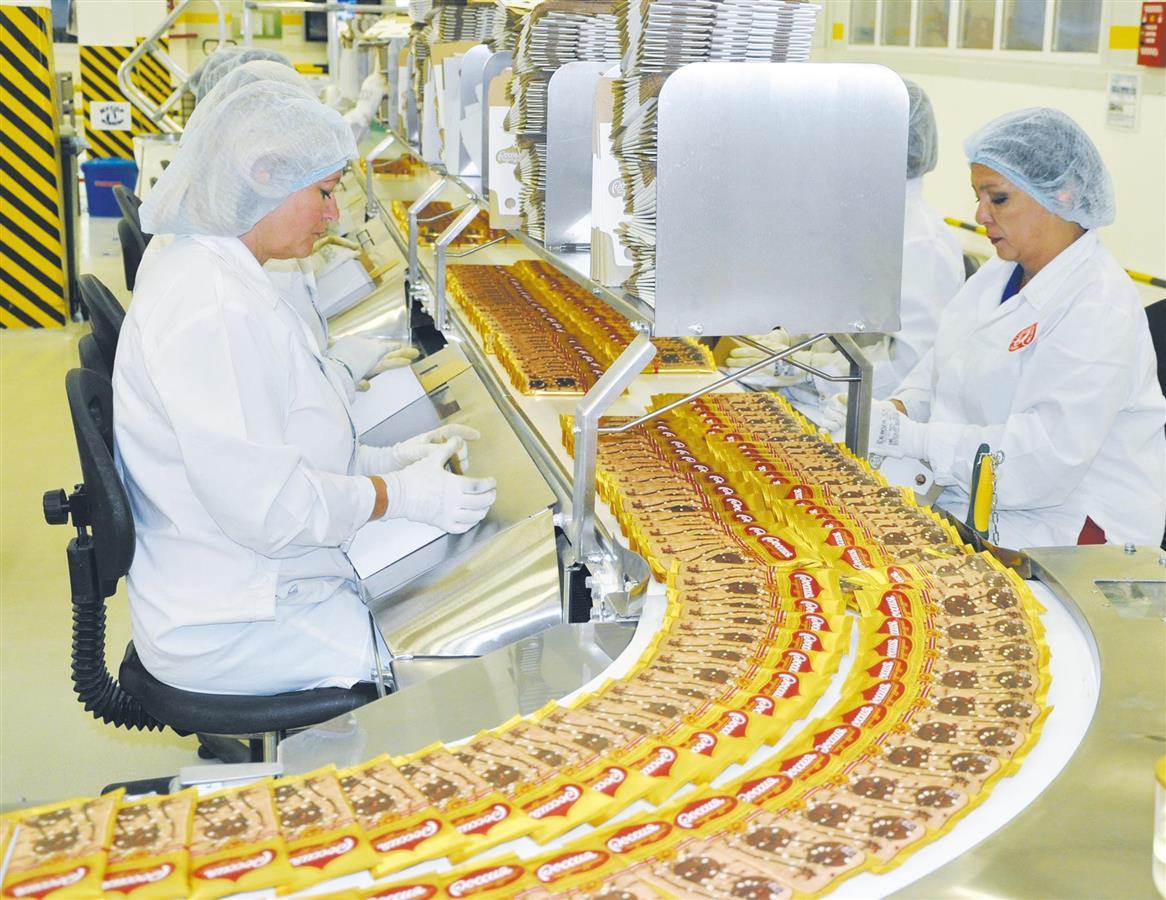Работа на конвейером конфет двигатель фольксваген транспортер т3 купить