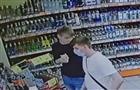 В Тольятти разыскивают трех парней, расплатившихся чужой банковской картой