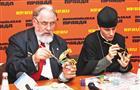 Самарские художники провели мастер-класс по росписи праздничных сувениров
