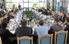 По линии региональных министерств планируется перераспределить 2,4 млрд рублей