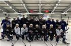 Самарские хоккеисты получили 140 новых клюшек