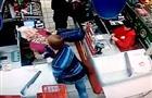 Полицейские задержали подозреваемого в избиении пенсионерки в супермаркете