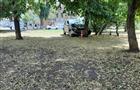 На ул. Буянова иномарка врезалась в дерево