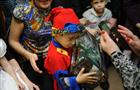Работники КНПЗ помогли Деду Морозу исполнить детские мечты