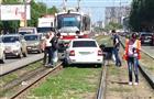 В Самаре на пр. Ленина стоит движение трамваев из-за вылетевшей на пути Lada Priora