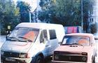 В Самаре хулиганы забрызгали краской девять машин