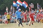 Николай Меркушкин принял участие в футбольном матче на Грушинском фестивале