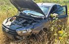 Под Самарой пассажирка съехавшей в кювет Lada получила травму позвоночника
