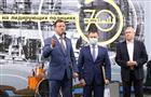 Дмитрий Азаров отметил достижения работников нефтяной, газовой и топливной промышленности региона