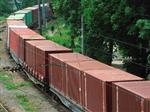В Безенчуке водитель грузовика столкнулся с поездом на жд-переезде
