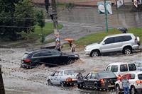 Ливень в Самаре подтопил улицы и дома