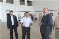 Губернатор потребовал ускорить завершение строительства спорткомплекса в Кинель-Черкассах
