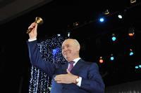 Глава региона вручил медали выпускникам
