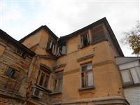 Пожарные тушили жилую комнату во флигеле Дома журналистов