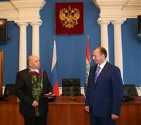 Владимир Артяков вручил жителям Самарской области государственные награды