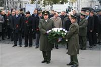 Работа экономической миссии началась с торжественного возложения венка к мемориалу советским воинам, павшим при освобождении Вены в 1945 г.