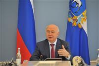 Николай Меркушкин вручил губернские гранты художникам, писателям, театральным деятелям и просветителям