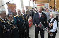 Владимир Артяков поздравил ветеранов Великой Отечественной войны с праздником Победы