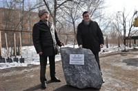 Во вторник, 26 марта, на площадке перед СГЭУ состоялась торжественная закладка первого камня в строительстве нового бассейна
