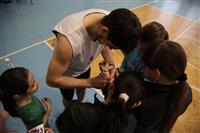 """Баскетболисты """"Красных Крыльев"""" провели мастер-класс в Рощинском"""