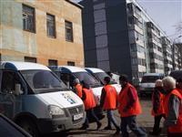 В самарских дворах начали работать мобильные бригады дворников