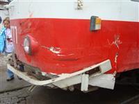 В Самаре трамвай протаранил три автомобиля, один человек погиб