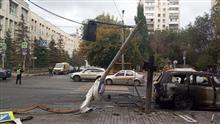 В Самаре внедорожник снес столб и сгорел