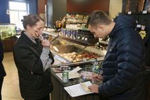 В каких самарских гастрономических бутиках нарушают права потребителей