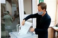 """Активисты """"Единой России"""" проверили соблюдение антиковидных мер на избирательных участках"""
