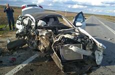При столкновении трех машин под Тольятти пострадала девушка