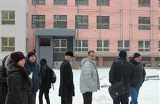 Тольяттинские депутаты изучили положение дел с недостроенным детским садом №210