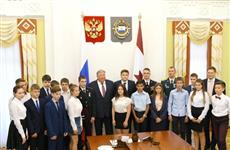 Глава Мордовии вручил государственные награды и паспорта гражданина РФ