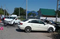 Три автомобиля столкнулись в Самарской области