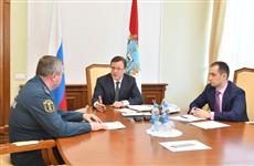 Дмитрий Азаров обсудил с Олегом Бойко и Константином Букреевым вопросы пожарной безопасности в ТЦ